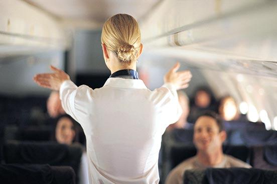 Como trabalhar como assistente de bordo